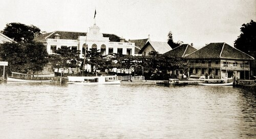Oriental Hotel Bangkok 1895 Image source Vintage Postcard