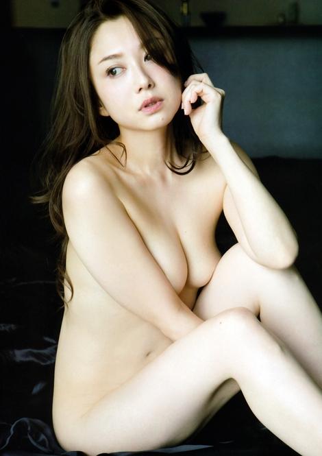Magazine : ( [FRIDAY] - 01/04/2016 - Miwako Kakei, Nanoka, Suzu Mitake & Satomi Yoshida )