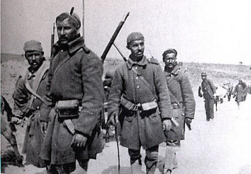 Evzones-Epiros-1913.jpg