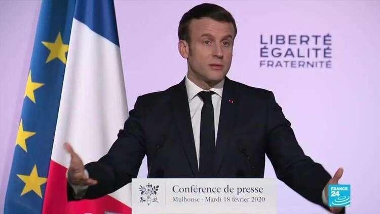 """""""L'islam politique n'a pas sa place"""" en France, affirme Emmanuel Macron à Mulhouse"""