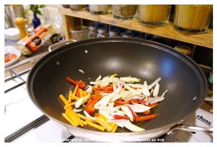 Gambas légumes pâtes chinoises au Wok