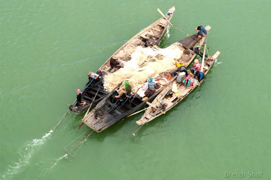 La pêche sur le Mékong - Les filets sur les embarcations