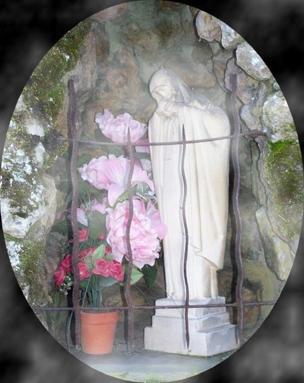 On a volé la Vierge ...