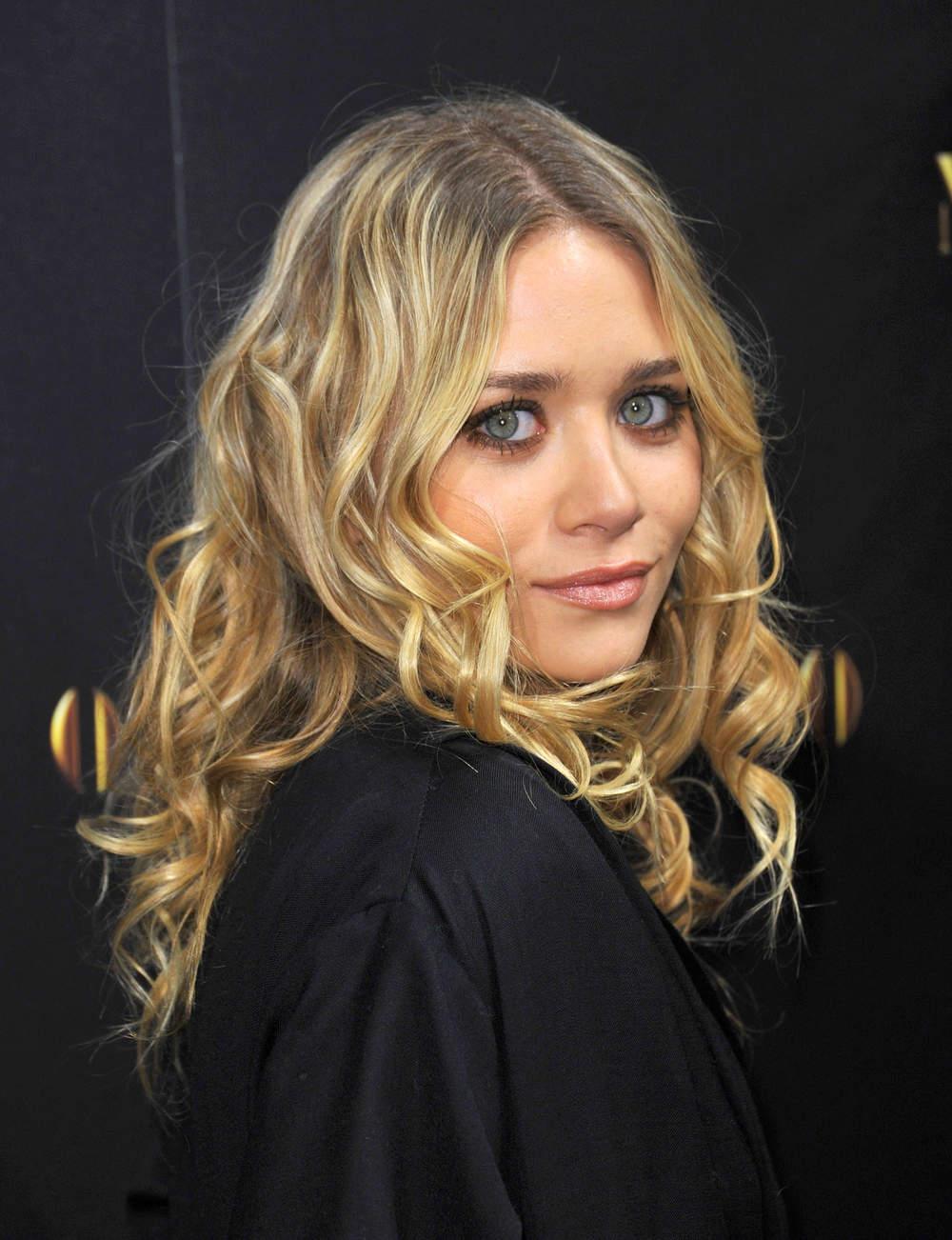 Des longueurs ondulées comme Ashley Olsen