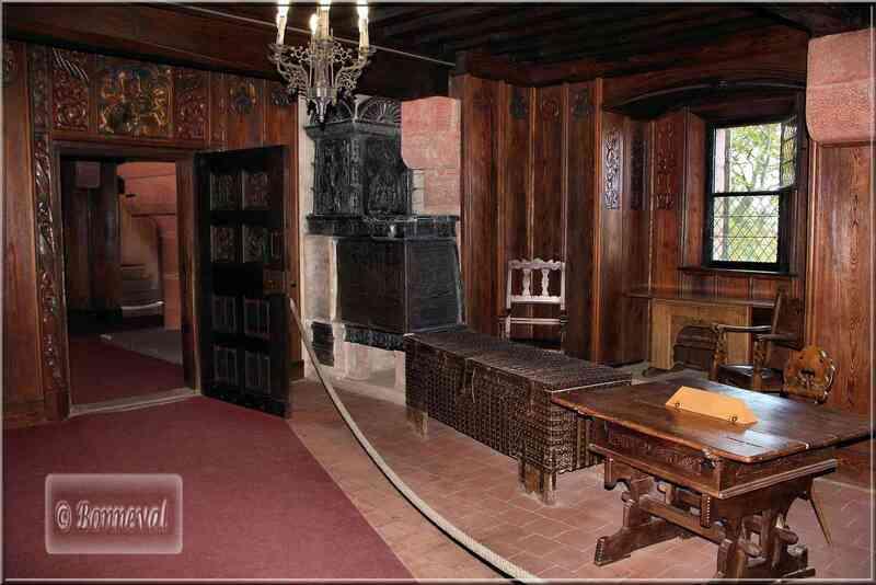 Alsace Haut-Koenigsbourg Chambre de l'Impératrice Suivez le Guide