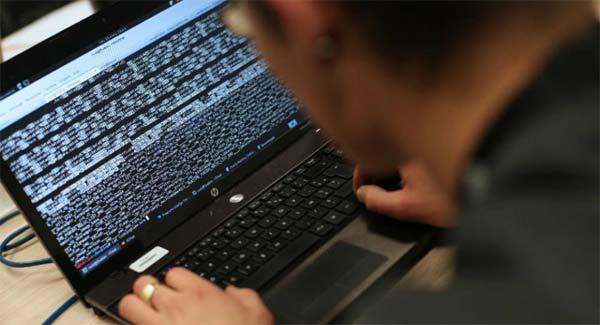 Le hacker Guccifer révèle qui était derrière les cyberattaques contre les USA