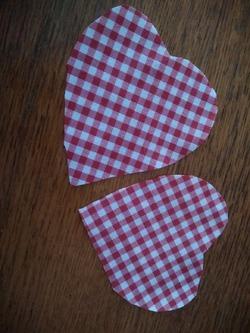 couture de coeur à carreaux