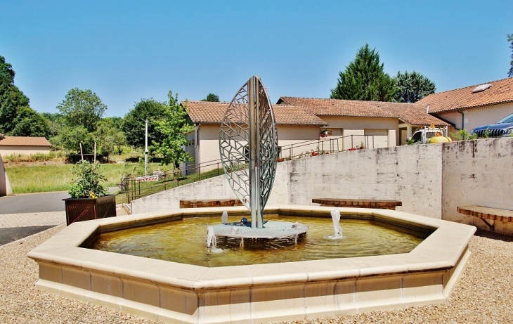 Fontaine - Milhac-de-Nontron
