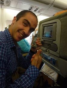 Yann au téléphone: allo, y a t'il un pilote dans l'avion?