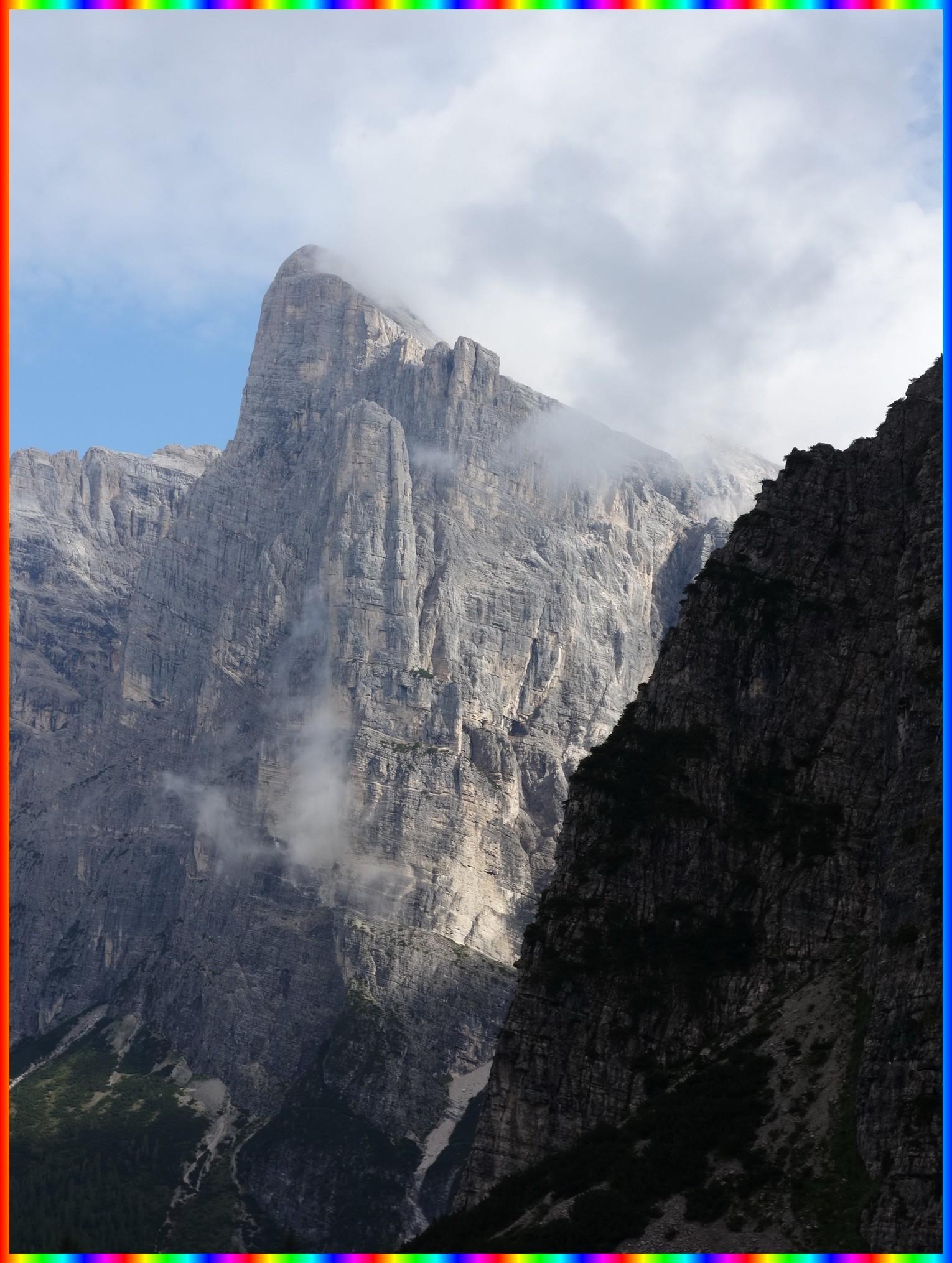 La Torre Trieste se confond avec la Cima della Busazza