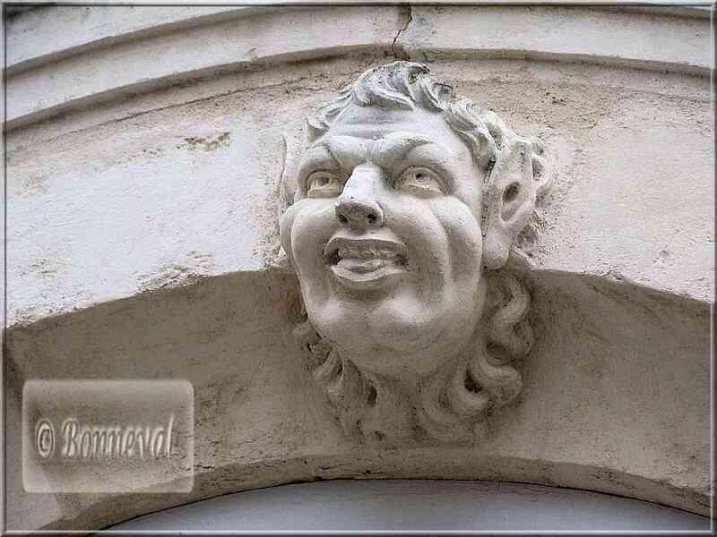 La Rochelle rue de l'Escale mascaron