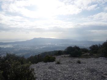 Du sommet, le Cap Sicié et les Embiez