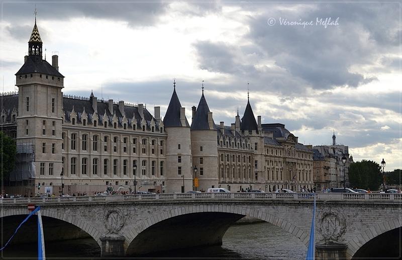 L'Île de la Cité : Restaurations de la Tour de l'Horloge