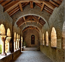 File:Saint Martin du Canigou interior.jpg - Wikimedia Commons