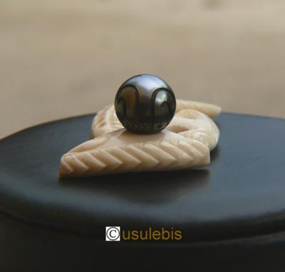 Blog de usulebis : Usulebis ,Artisan créateur de bijoux polynésiens , contact : usulebis@hotmail.fr, Pendentif Vague N°2