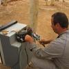 Burkina Ouaga  Réparation du frigo Jeff ne peut pas s\'empêcher de toucher