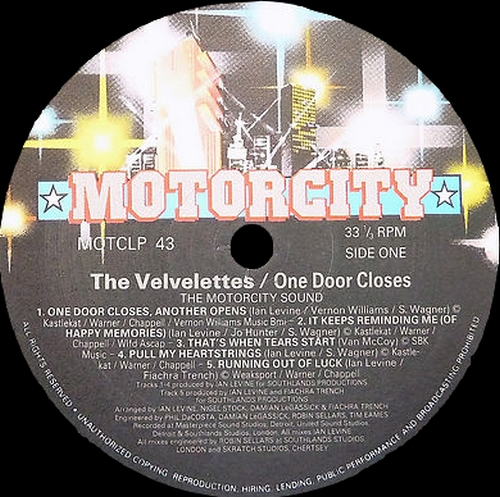"The Velvelettes : CD "" One Door Closes "" Motorcity Records CDMOTCLP 43 [ UK ] en 1990"