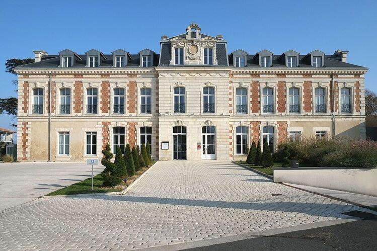 787 - Château du Clavier - Lagord.jpg