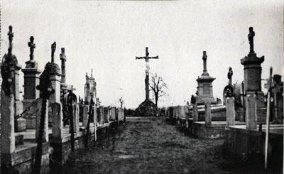 Enterrée Croix Levée ?