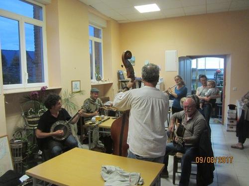 Un impromptu musical à La Cambuse