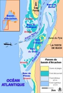 220px-Entree-du-Bassin-Arcachon