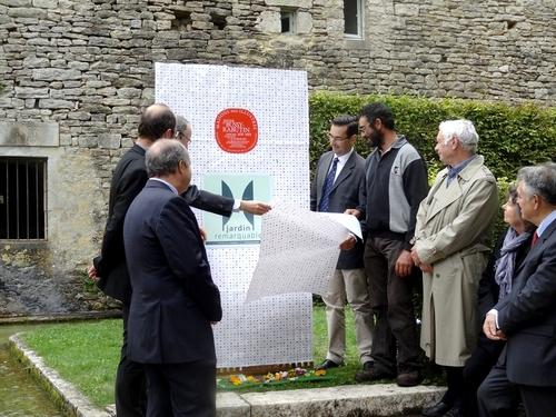 Le Château de Bussy-Rabutin a été honoré par la pose de deux plaques