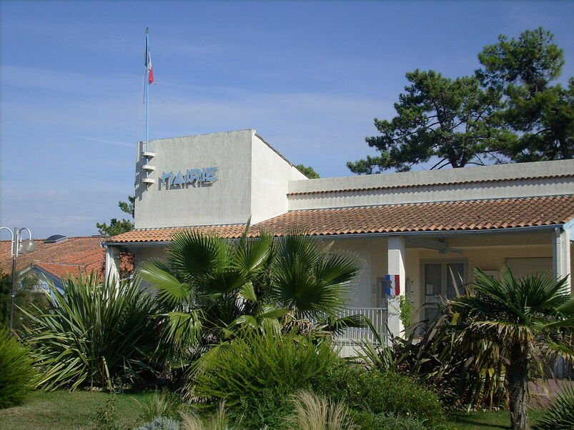 Mairie de Grand-Village-Plage.jpg