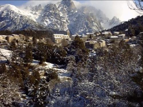 Guagnu, sous la neige (Février 2013)
