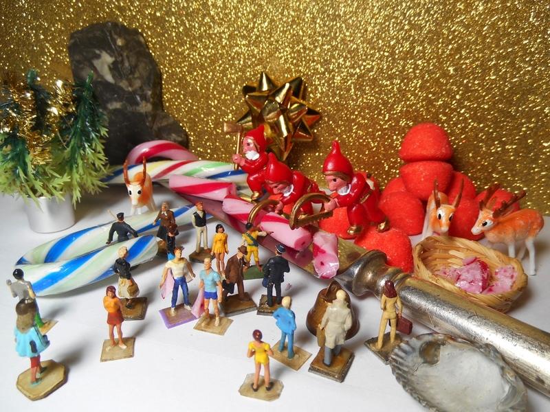 Aujourd'hui : une candidate, une crêche athée, des ruines en sucre, c'est Noël, le temps qui coule et une mini Yvette Leglaire (créée en 2009)