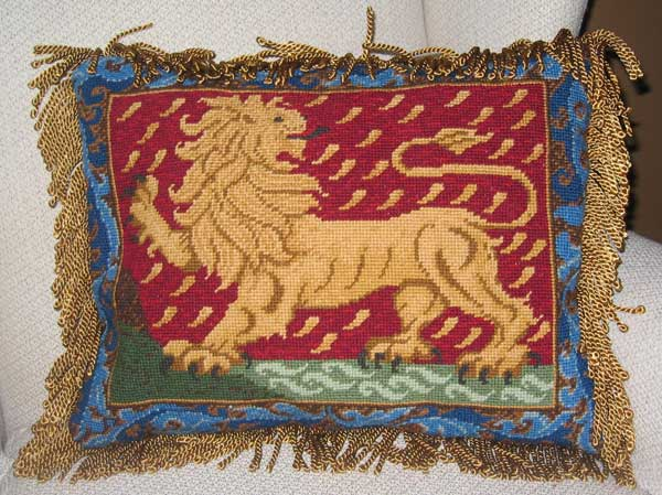 cb-standinglioncushion.jpg