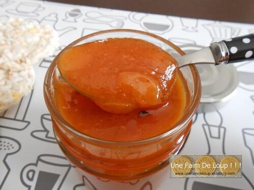 Confiture abricot à la vanille et amandes effilées
