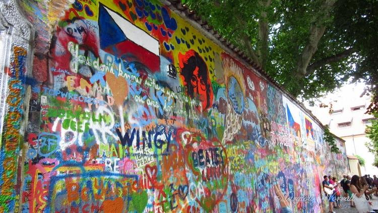 Prague : Le mur Lennon