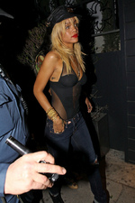 Rihanna quitte le Greystone Manor Nightclub