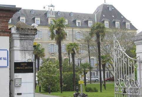 Lourdes : les maisons saint Pierre et saint Paul