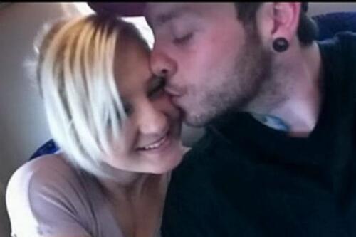Amy, 22 ans, battue par son mari lors de leur nuit de noce car il n'a pas réussi à la déshabiller