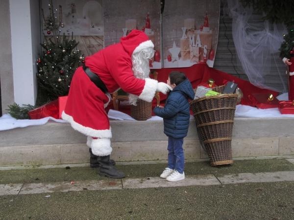 Le père Noël est déjà passé chez Zora....