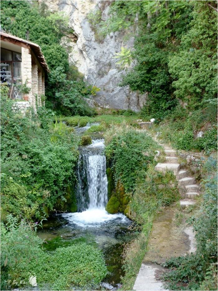 Moustiers-Sainte-Marie (Fr-04) ...