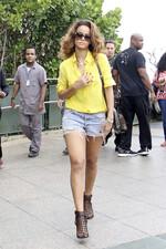 Rihanna visite un monument à Rio De Janeiro