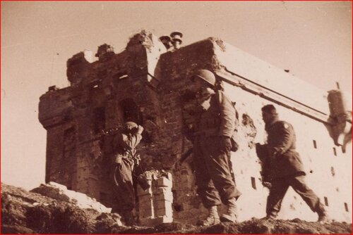 * Etape n° 47 - La chute des Forts du Massif de l'Authion - Journée du 12 Avril 1945