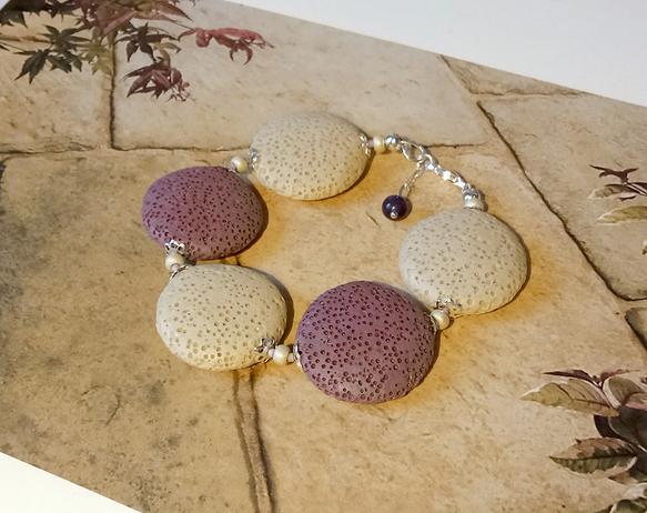 Bracelet Pierre de Lave teintée Rose, Prune, Beige, lentilles 25mm / Laiton doré