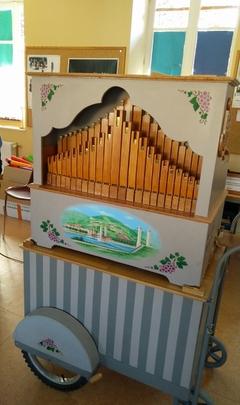 orgue de barbarie.