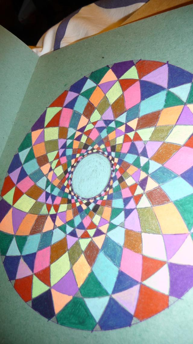 Blog de mimipalitaf : mimimickeydumont : mes mandalas au compas, et bientôt voilà comment seront construites les maisons