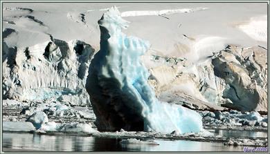 Images glacées (glacier et icebergs) - Baie du Paradis - Péninsule Antarctique