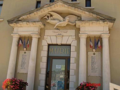 MONUMENT AUX MORTS VILLEFRANCHE PANAT (1)