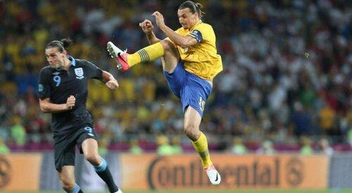 Ibrahimovic utilise le Kong Fu pour marquer un but au Hong kong