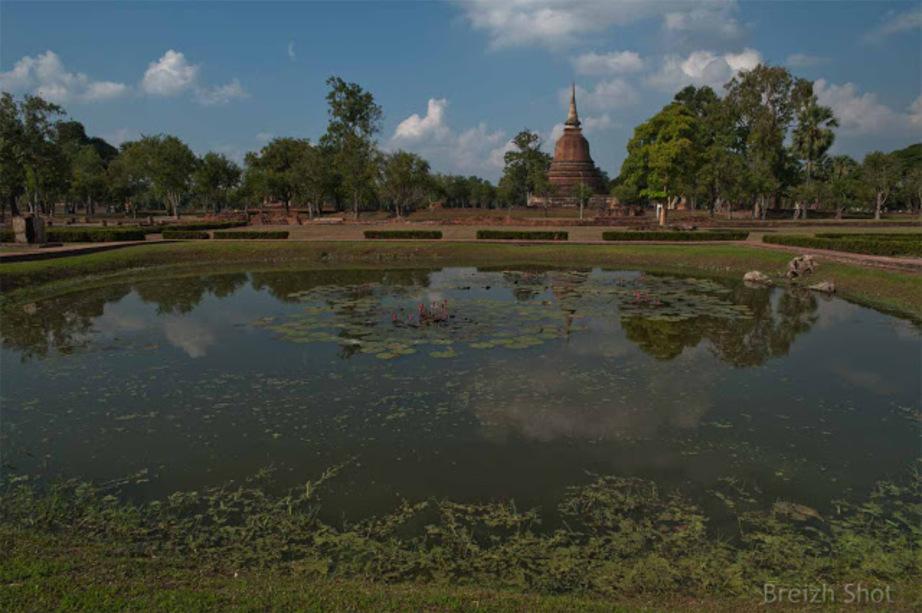 Sukhothai, site historique de tous les superlatifs -  Wat Mahathat