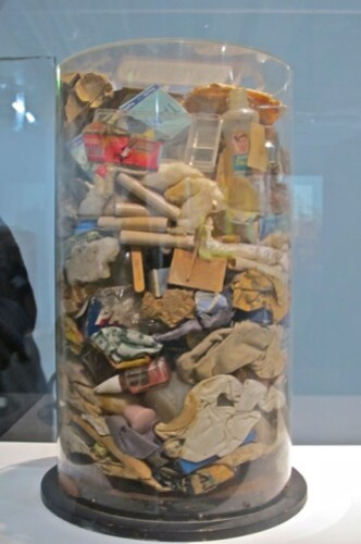 Arman ordures Beaubourg 9