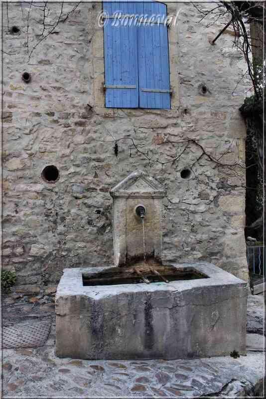 Fontaine de la Montée du Lavoir Vaison-la-Romaine Vaucluse