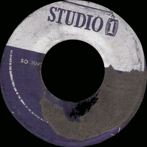 "The Gladiators : CD "" At Studio On Bongo Red Featuring Albert Griffiths "" Heartbeat Records HB 162 [ US ]"