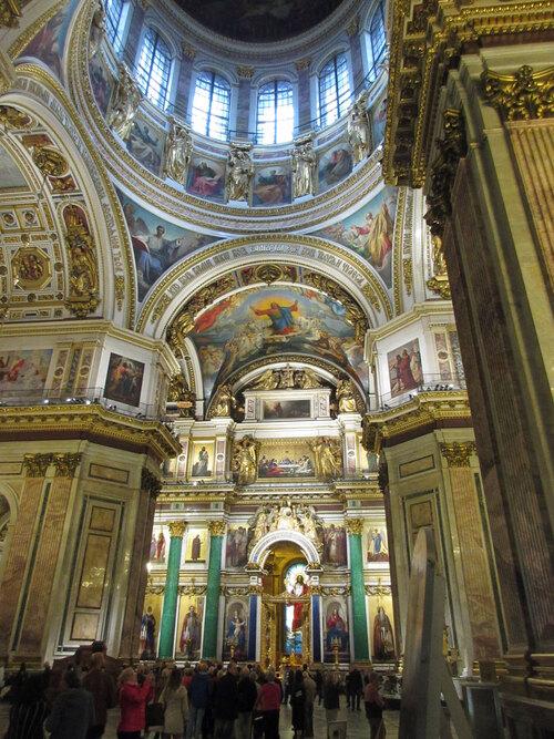 Intérieur de la cathédrale Saint Isaac